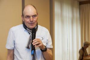 Gerald Wagner, Geschäftsstellenleiter der LAGS, stellt neue Mitarbeiterinnen und Mitarbeiter vor